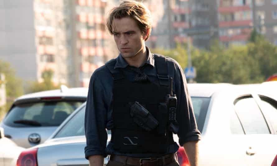 Word of mouth didn't really take off ... Robert Pattinson in Tenet.