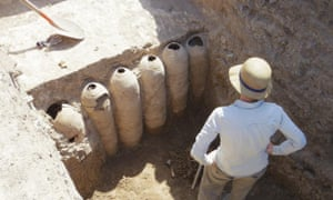 Despite landmines, snakes and dodgy gin, Iraq is an archaeological paradise 1252