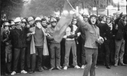 Students demonstrating on the streets of Paris in May 1968