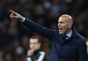 Zidane reacts and makes a few changes for the second half.