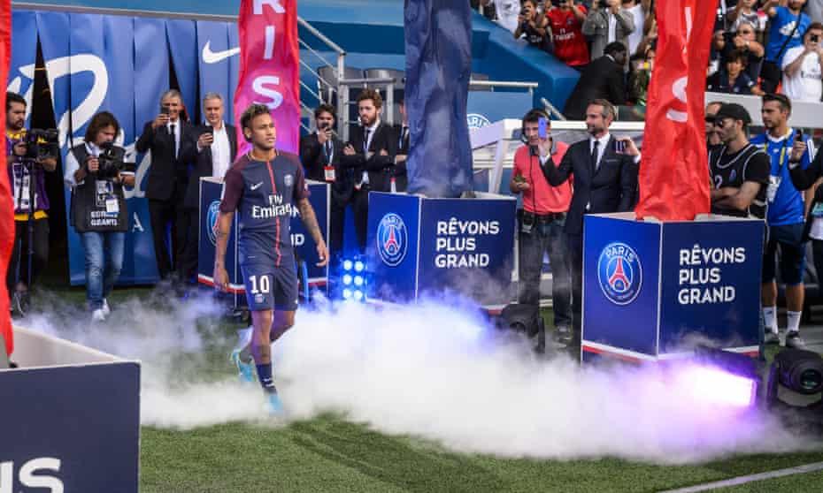 Neymar arrives at Paris Saint-Germain
