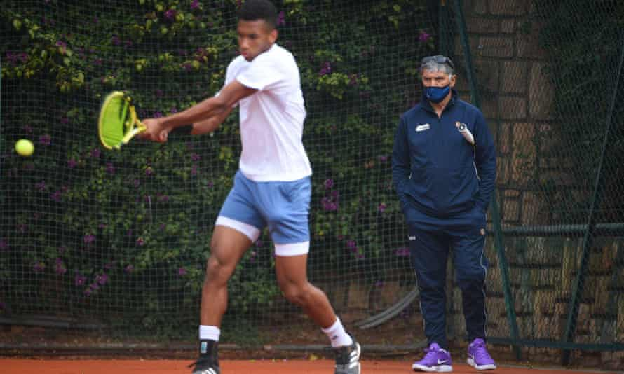 Félix Auger-Aliassime practises under the guidance of Toni Nadal, who has joined his coaching team.