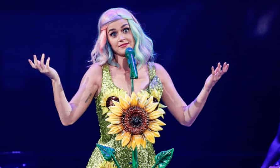 Katy Perry's dress on a 2015 tour appeared to support Taiwanese anti-China protesters, who have a sunflower as their emblem.