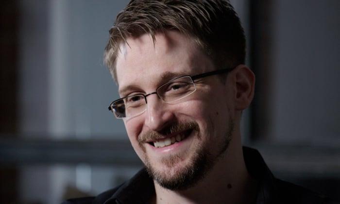 """Snowden advierte sobre el bloqueo a Trump en Facebook: """"Un punto de inflexión en la batalla por el control"""""""