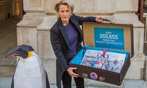 Gillian Anderson delivers a Greenpeace petition to the Foreign Office in London in 2018