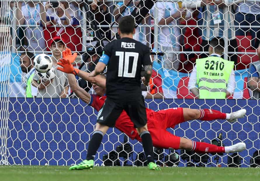 Halldorsson saves a penalty from Lionel Messi at the World Cup in 2018.