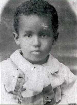 Yosif Stalin, photographer when he was aged around five years old.