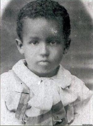 Yosif Stalin,摄影师,年龄大约五岁。