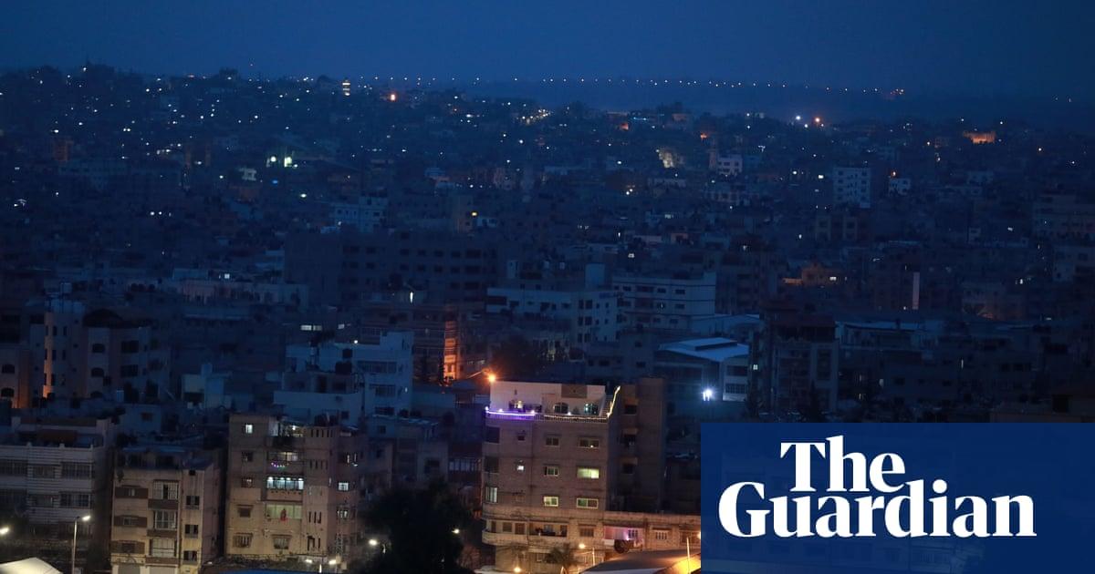 Gaza militants fire rockets after clashes flare in Jerusalem