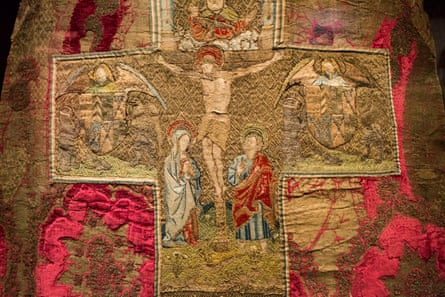 A Catholic fashion show... Opus Anglicanum.