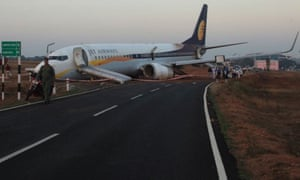 Jet Airways aircraft carrying 164 people has skidded off the runway at Dabolim Airport in Goa.