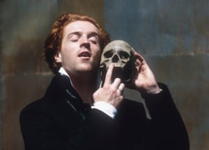 Damian Lewis takes the lead in Shakespeare's Hamlet, directed by Tim Pigott-Smith in 1994.