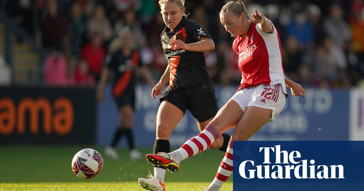 McCabe shines as Arsenal sweep aside Everton to stay on top of WSL