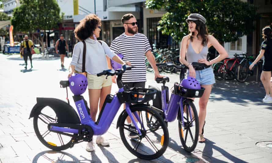People with e-bikes
