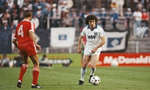 Kevin Keegan in action for Hamburg in the final.