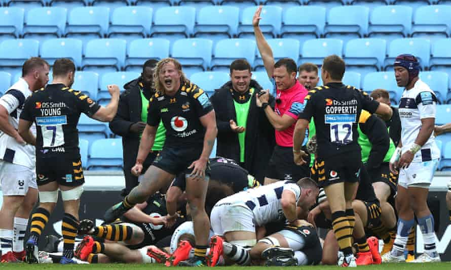 Tommy Taylor celebrates after Jack Willis scores for Wasps against Bristol at the Ricoh Arena