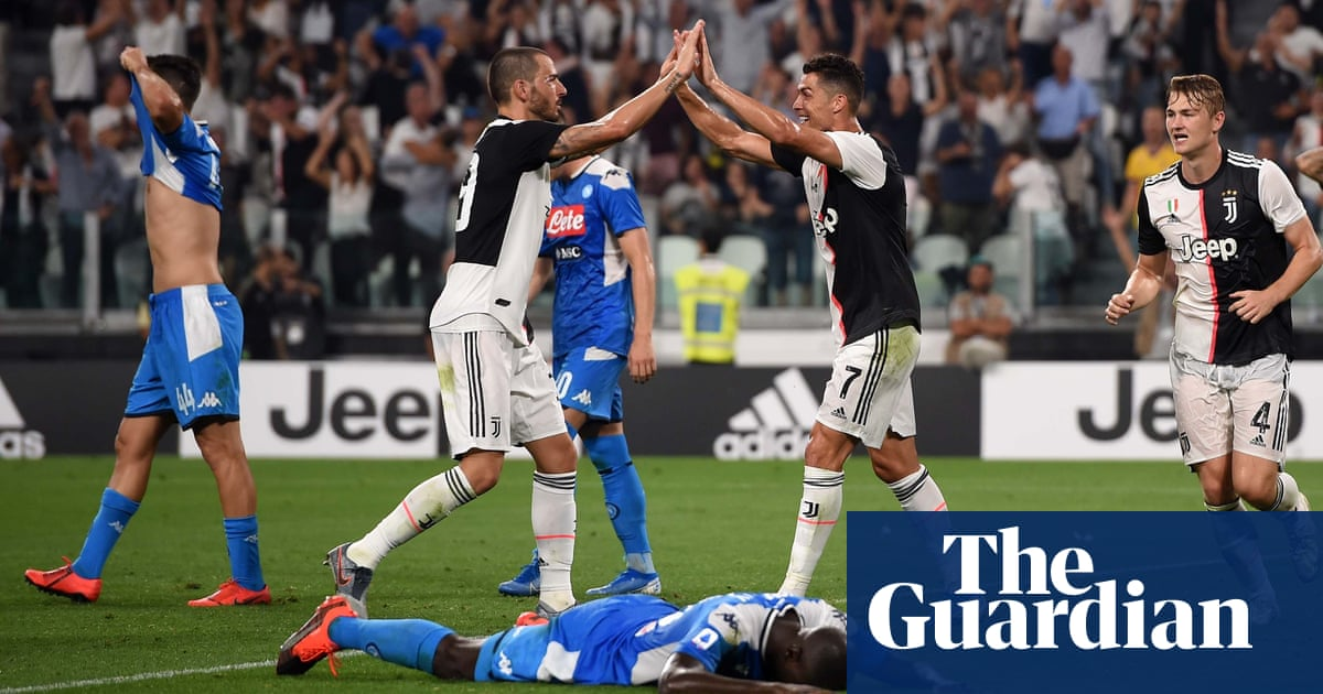Kalidou Koulibaly's spectacular own goal hands Juventus win over Napoli