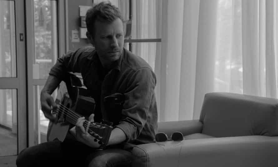 Dierks Bentley: 'A of people were dressing like Garth [Brooks], but no one was writing their own music'