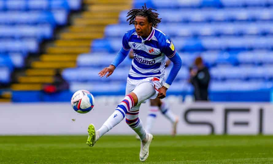 The forward Michael Olise, in action for Reading in May, has joined Crystal Palace.