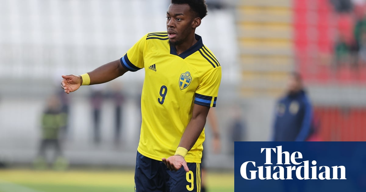Manchester United's Elanga subjected to alleged racism while with Sweden