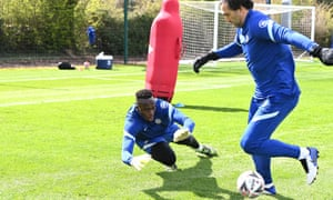 Èdouard Mendy of Chelsea trains for Saturday's FA Cup semi-final against Manchester City.
