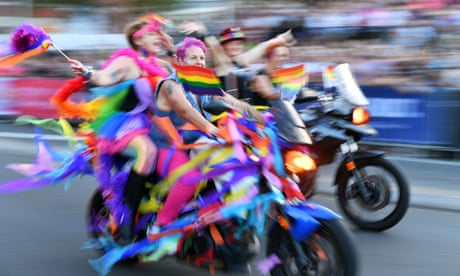 Mardi Gras: Kylie Minogue adds glamour to dazzling parade
