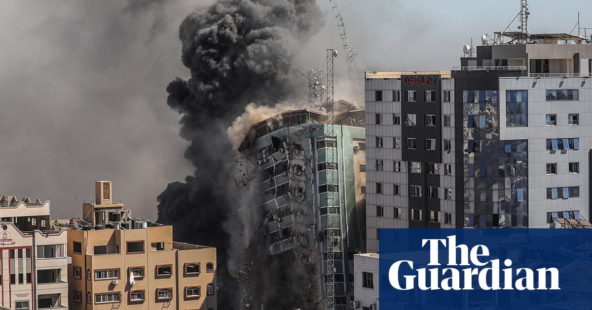 One hour to escape: the race to get out of a Gaza tower before an Israeli airstrike