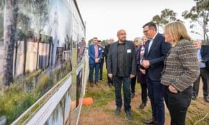 Victorian premier Daniel Andrews visits the construction site for the Bendigo mosque