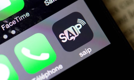 France Launches Smartphone App To Alert People To Terror Attacks France The Guardian