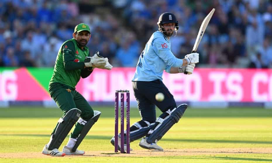 James Vince, watched by Pakistan wicketkeeper Sarfaraz Ahmed, cuts the ball away.