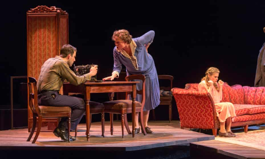 Cherry Jones (centre) in The Glass Menagerie.