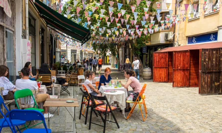 Street cafes in the Kapana district.
