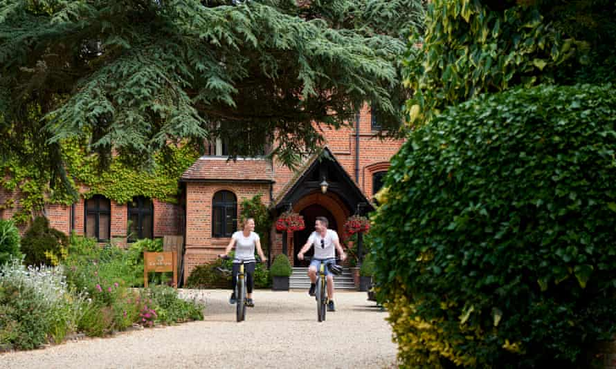 Relax, then explore the beauty of the New Forest at Careys Manor.