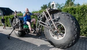 Heavy-wheeled bicycle