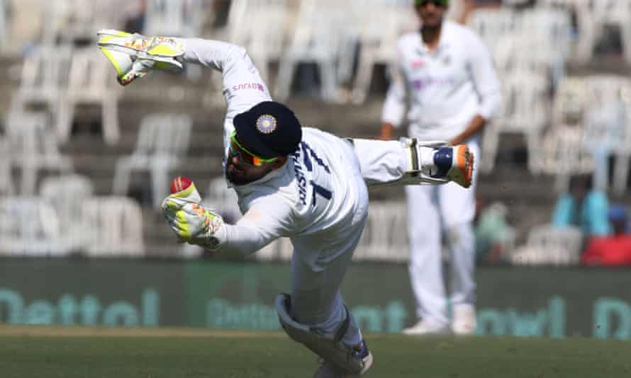 Rishabh Pant takes a superb catch for India to dismiss England's Jack Leach.