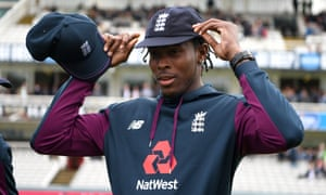 Jofra Archer of England is presented his test cap by Chris Jordan.