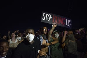 Protesters shut down highway I-94 in St Paul, Minnesota