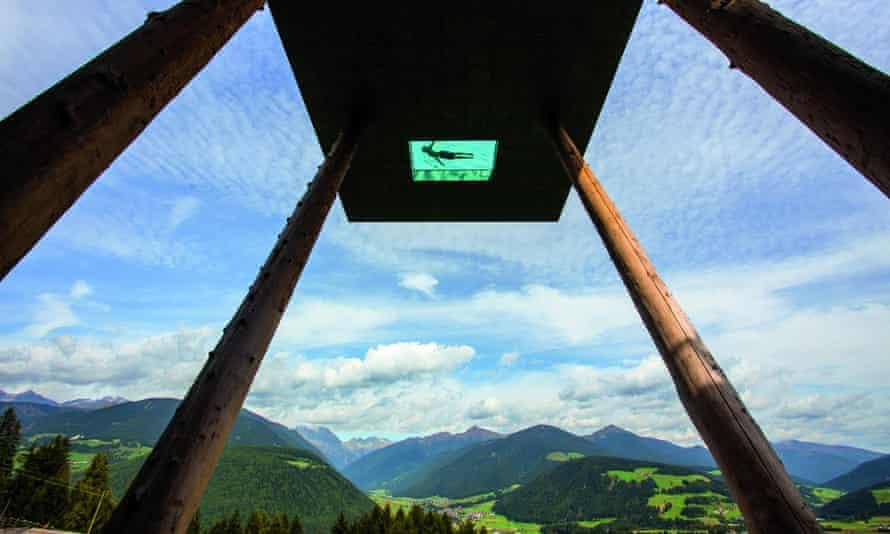 La piscina dell'Hotel Hubertus in Tirol, Italia