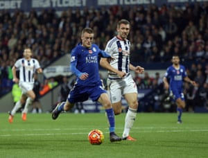 Jamie Vardy outpaces the floundering West Brom defence to rifle the ball past Boaz Myhill in Leicester's 3-2 Premier League win at the Hawthorns on 31 October