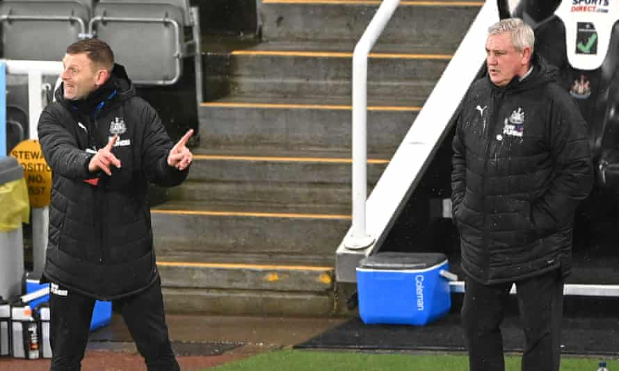 Graeme Jones issues instructions with Steve Bruce close by during Newcastle's defeat by Crystal Palace.
