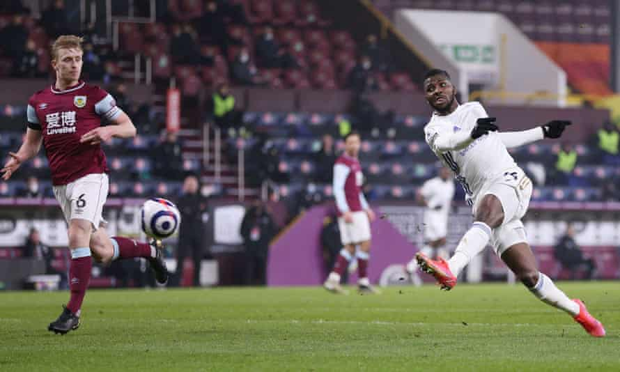 Kelechi Iheanacho scores a stunning equaliser for Leicester at Burnley