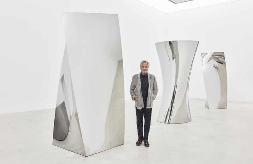 Anish Kapoor with Gathering Clouds, his new installation at Kukje Gallery, Seoul.
