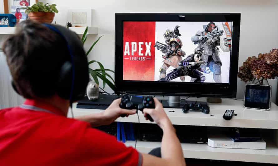 Let battle commence … a teenager starts an Apex Legends session.
