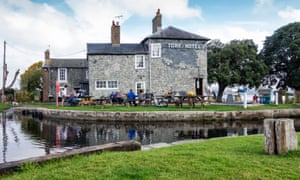 The Turf Hotel and Exeter Canal, Exminster, Devon