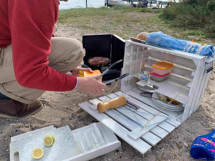 Volker Ramge's homemade picnic box.