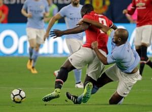 Manchester City's Vincent Kompany and Manchester United's Romelu Lukaku