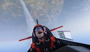 Seattle, US Stunt pilot John Klatt does a loop the loop in his Extra 300L aerobatic aeroplane as he practises for this weekend's Seafair Airshow