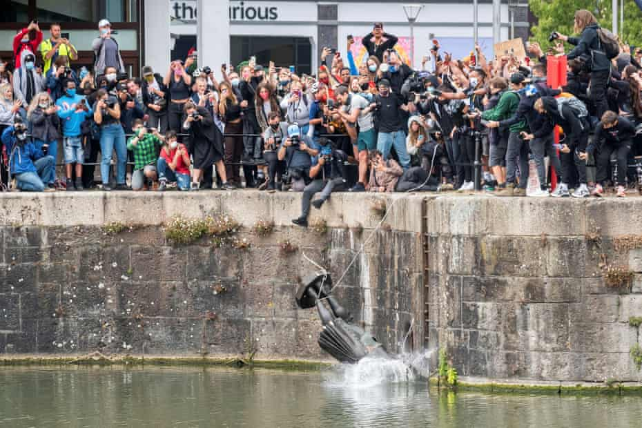 One Shade guest was overwhelmed by a photograph of protestors chucking a statue of slave trader Edward Colston into the water in Bristol.