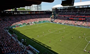 Portland Thorns draw large crowds but other NWSL struggle to attract fans