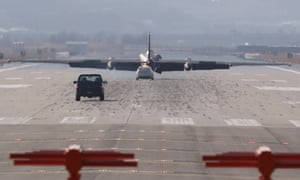 A U-2 ultra-high-altitude reconnaissance aircraft operated by the US air force lands at Osan airbase, south of Seoul, on Monday.